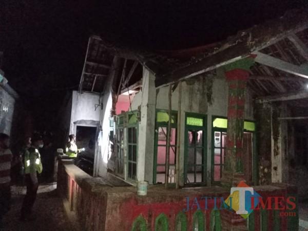 Salah satu rumah terdampak gempa di Kabupaten Malang. (foto: Hendra Saputra/MalangTIMES)