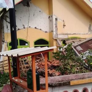 Terdampak Gempa di Kabupaten Malang, Ratusan Rumah di Blitar Rusak dan Belasan Orang Luka