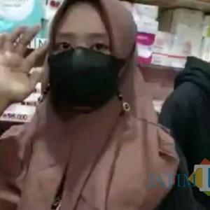 Viral, Wanita Cantik di Tulungagung Tertangkap Basah Ngutil Kosmetik