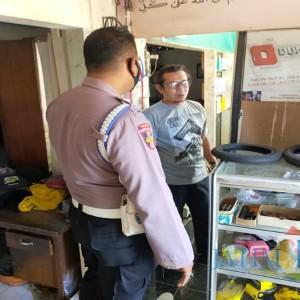 Polisi Kejar Pelaku Pencurian yang Viral Terekam CCTV di Tulungagung