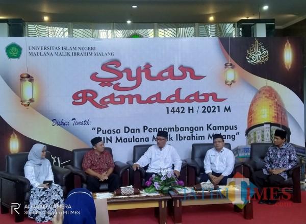 Suasana Syiar Ramadhan UIN Maliki Malang yang diisi dengan kegiatan dialog (foto: Anggara Sudiongko/ MalangTIMES)