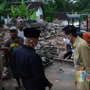 Gerak Cepat, Pemkab Malang Ratakan Rumah Terdampak Gempa