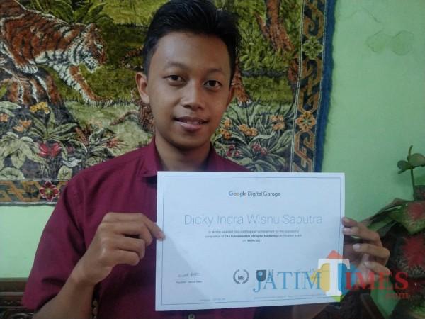Dicky Indra Wisnu Saputra, mahasiswa Unikama angkatan 2018 ini mengikuti pembelajaran pada program pembelajaran yang digelar oleh Google (Ist)