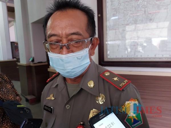 Kepala Satpol PP Kota Malang Priyadi saat ditemui MalangTIMES.com di Balai Kota Malang, Senin (12/4/2021). (Foto: Tubagus Achmad/MalangTIMES)