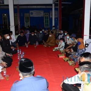 Bupati Malang Buka Puasa Pertama di Lokasi Pengungsian