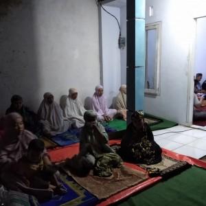 Tidak Dilengkapi Fasum, 4 Tahun Warga Perumahan Antirogo Salat Tarawih di Rumah Kosong