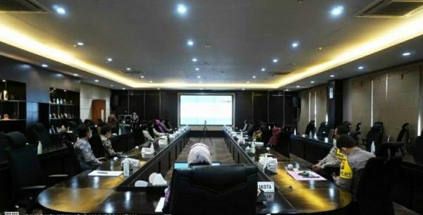 Pemkot Batu Rapat Evaluasi PPKM Mikro secara virtual di Rupatama Balaikota Among Tani, Selasa (13/4/2021) kemarin (foto istimewa)