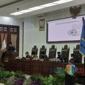 Miliki Nilai Historis, Dewan Dorong Pembongkaran Reklame Rokok di Tugu Pesawat Sukarno Hatta