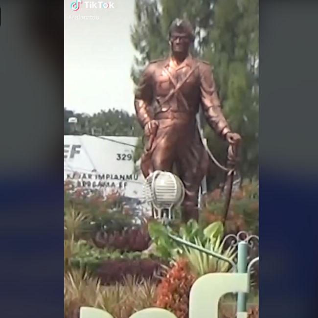 Monumen Hamid Rusdi