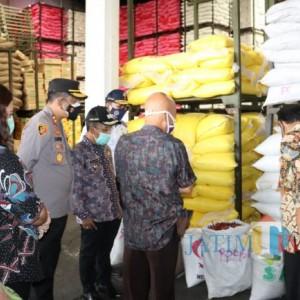 Hindari Lonjakan Harga Sembako, Pemkot Batu Bersama Polres Batu Sidak Pasar