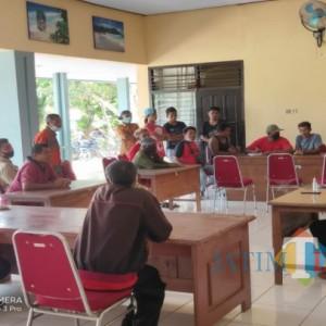 Kades Selingkuh, Warga Pucanglaban Gruduk Kantor Desa dan Kecamatan Minta Kepala Desa Dicopot