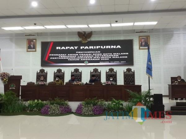 Rapat Paripurna di Ruang Sidang DPRD Kota Malang, Kamis (15/4/2021). (Arifina Cahyanti Firdausi/MalangTIMES).