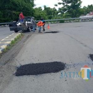 Dinas PUPR Jombang Lakukan Pemeliharaan Jalan di 499 Ruas