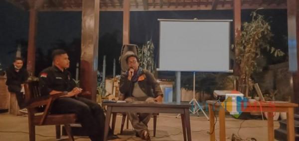 Taufan Agustiyan Prakoso dari Indonesia Stories memberikan tanggapan terhadap pemutaran film pohon kehidupan dari Sabu