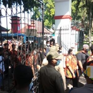 Tinggal di Pendapa, Wabup Blitar Diusir LSM, Diselamatkan Pemuda Pancasila