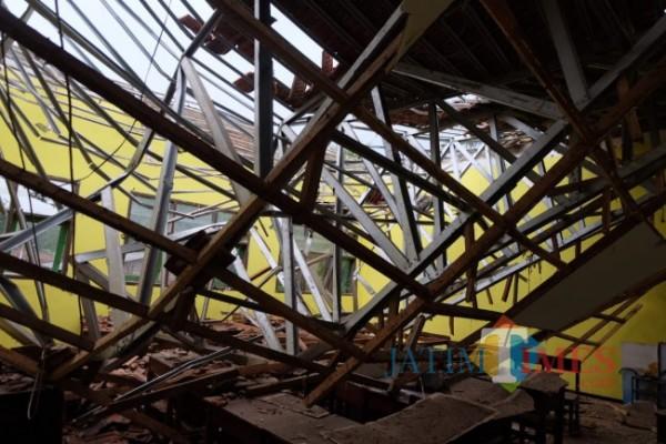 Kondisi MAN 2 Turen yang rusak parah akibat gempa. (Foto: Hendra Saputra/MalangTIMES)