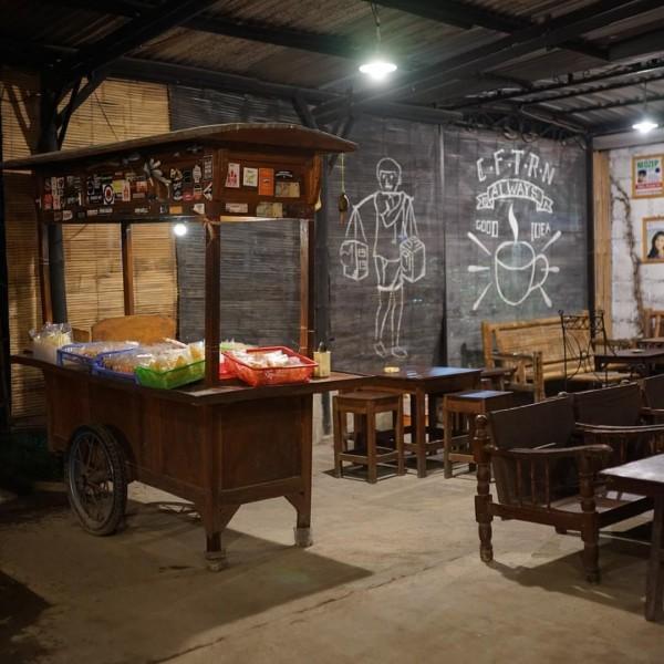 Cafe Taruna (UMKM) milik Novry