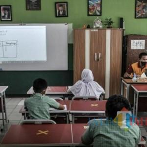 Vaksinasi Guru belum Merata, UAS Tingkat SMP di Kota Batu Digelar Daring