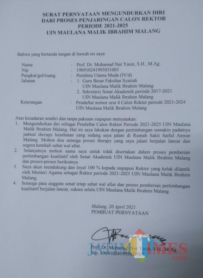 Surat pernyataan pengunduran diri sebagai calon rektor yang dibuat oleh Prof Dr Mohamad Nur Yasin SH MAg (Anggara Sudiongko/MalangTIMES)
