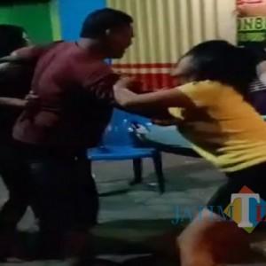Video Detik-Detik Dua Pemandu Lagu Berkelahi yang Hebohkan Warganet di Tulungagung
