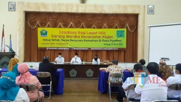 Sosialisai bagi lanjut usia Kecamatan Klojen oleh Wali Kota Malang (foto: Brianatan Wicaksono)