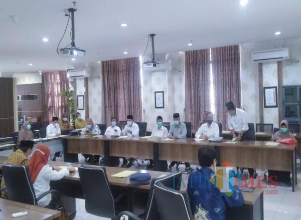 Suasana saat para anggota Senat UIN Malang akan melakukan Rapat Senat tertutup (20/4/2021)(doc MalangTIMES)