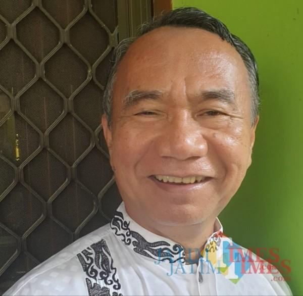 Anwar Hudijono, kolumnis tinggal di Sidoarjo up