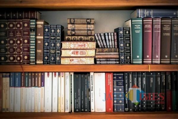 Ilustrasi World Book Day yang jatuh pada setiap 23 April setiap tahunnya (Sumber: Pinterest)