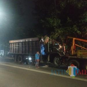 Rem Blong, Truk Pengangkut Garam Tabrak Pohon Dekat Rumah Dinas Wali Kota Batu