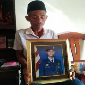Orang Tua Crew Nanggala 402 di Tulungagung Berharap Anaknya Selamat, Sebut Selalu Pamit Jika Hendak Melaut