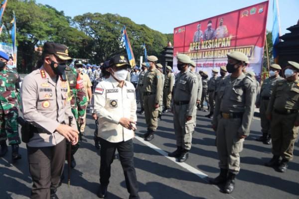 Apel Kesiapan Larangan Mudik 2021 di halaman Balai Kota Malang, Senin (26/4/2021). (Foto: Humas Pemkot Malang for MalangTIMES).