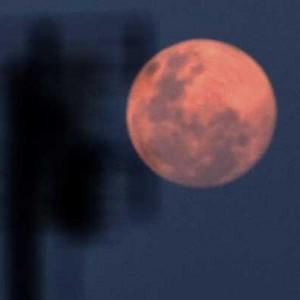 Fenomena Bulan Purnama Pink Supermoon di Pertengahan Ramadan 1442 H, Bisa Diamati hingga Besok Malam