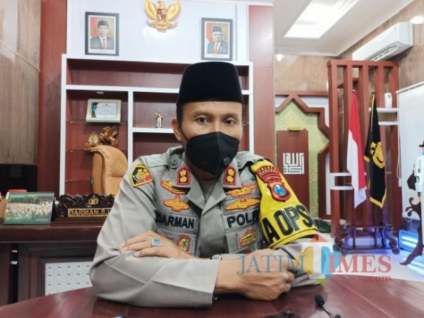 Kapolres Sumenep AKBP Darman saat ditemui di kantornya. (Foto: Syaiful Ramadhani/SumenepTIMES)