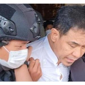 Beredar Video Penangkapan Munarman, Digiring Densus 88 sampai Tak Pakai Sandal