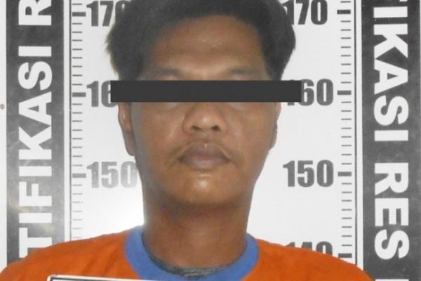 Tersangka Dodik Siswantoro (36) warga Desa Tulungrejo Kecamatan Pare Kabupaten Kediri, kembali ditangkap petugas Buser Satreskrim Polres Kediri. (Foto: Ist)