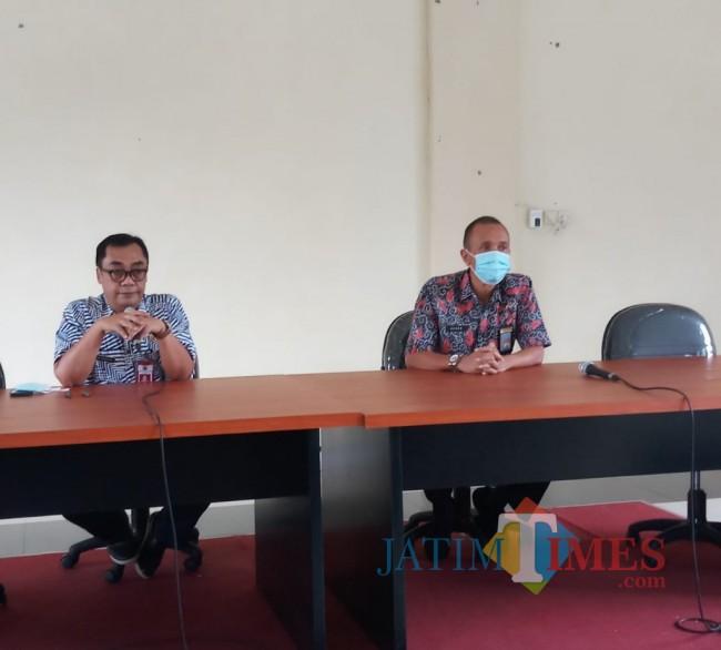 Kepala DPUPRPKP Kota Malang, Hadi Santoso (kiri)(AnggaRa/MalangTIMES