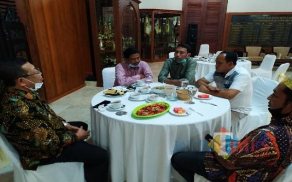 Ramah tamah dan bukber pengurus FKPD dengan Bupati Tulungagung Maryoto Birowo / Foto : Anang Basso / Tulungagung TIMES