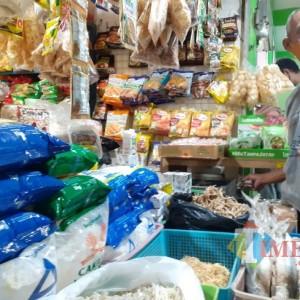 Permintaan Sepi, Harga Minyak Goreng di Pasar Rakyat Alami Lonjakan