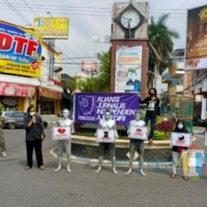 Jurnalis Tulungagung Turun Jalan Minta Perusahaan Hentikan PHK di Hari May Day