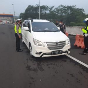 Jelang Lebaran, Satlantas Polresta Malang Kota Terus Perketat Pos Penyekatan di Kota Malang