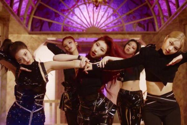 Cuplikan MV 'Mafia In The Morning' ITZY (Foto: Tangkapan Layar Youtube)