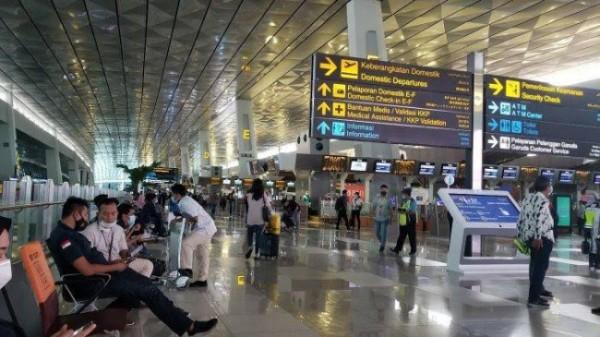 Ilustrasi kepulangan PMI di bandara (foto: Tribun Jakarta)