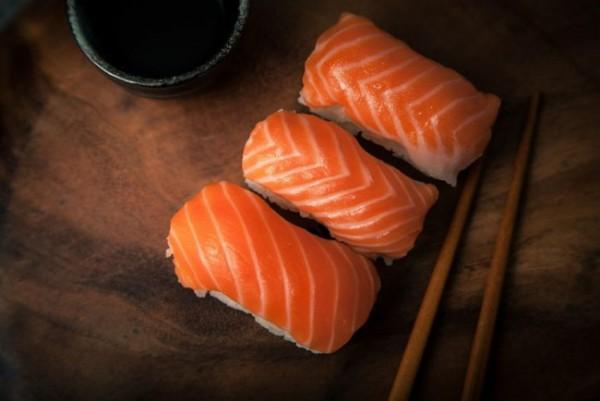 Ilustrasi ikan salmon. (Foto: iStock).