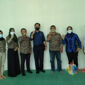 Bersinergi, Dirut Perumda Tugu Tirta Silaturahmi ke Kantor Jatim Times Network