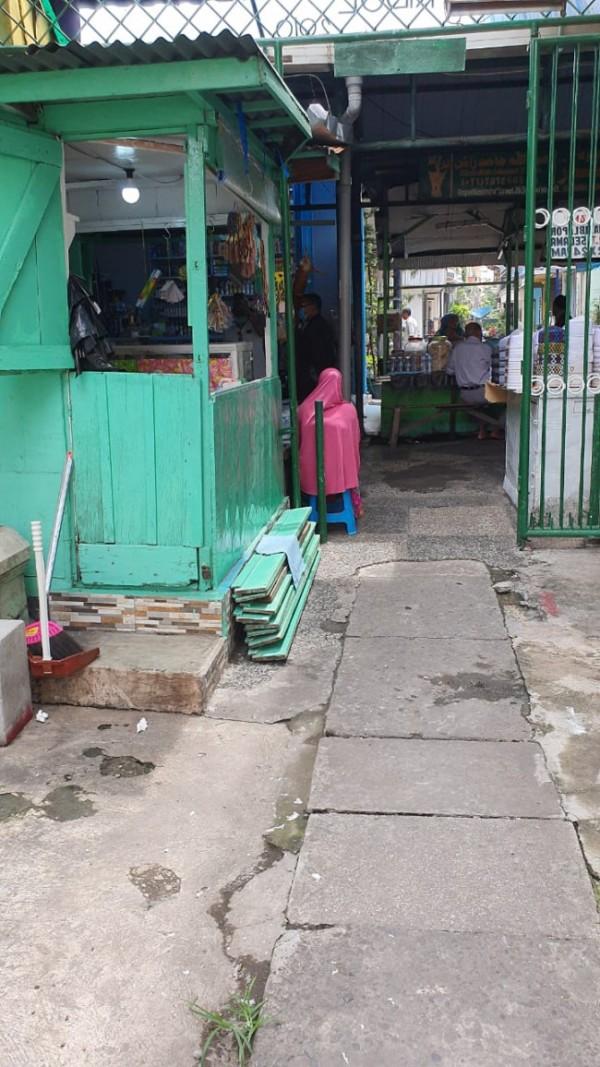 Kios milik Fahriyah Bagar