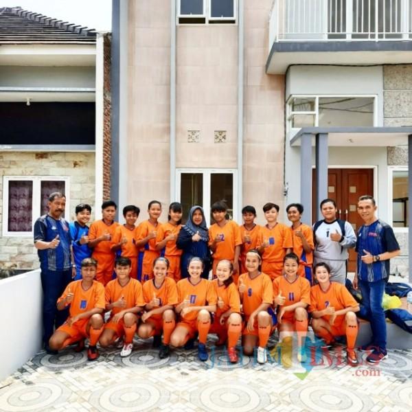 Tim sepakbola Banyuwangi Putri Banyuwangi (Istimewa)