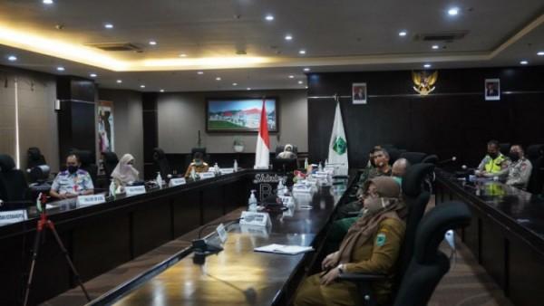 Rapat Koordinasi itu juga diikuti oleh Pemkot Batu dan Forkopimda Kota Batu secara virtual di Rupatama lantai 5 Balaikota Among Tani, Senin (3/4/2021) kemarin. (Foto istimewa)