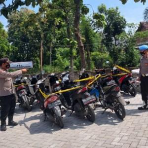 Bersiap Digunakan Balap Liar, Belasan Sepeda Motor Diamankan Polsek Ngadiluwih