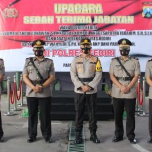 Dua Perwira Polres Kediri Pindah Tugas