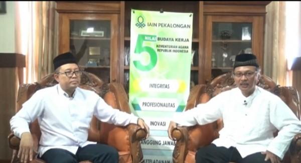 Rektor IAIN Pekalongan Dr H Zaenal Mustakim MAg (kiri) bersama Rektor UIN Malang Prof Abdul Haris. (Foto: Ist)